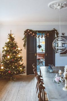 Let the magic in Christmas Time Is Here, Christmas Mood, Merry Little Christmas, Magical Christmas, Advent, Christmas Interiors, Cottage Christmas, Natural Christmas, Christmas Decorations