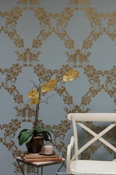 How to Stencil Accent Wall in Only 1 Hour Video Tutorial – Royal Design Studio Stencils Wallpaper Background Design, Pattern Wallpaper, Damask Wall Stencils, Stencil Walls, Structure Paint, Bedroom Wall Designs, Diy Wall Decor, Wall Decorations, Home Decor