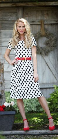"Modest Fashion doesn't mean frumpy! Fashion Tips (and a free eBook) here: http://eepurl.com/4jcGX Do your clothing choices, manners, and poise portray the image you want to send? ""Dress how you wish to be dealt with!"" (E. Jean) http://www.colleenhammond.com/"