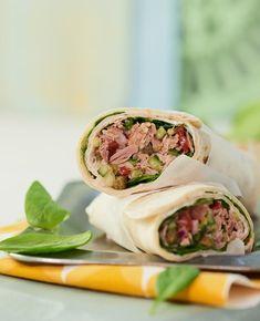 Tunfiskwraps med tunfiskrøre er billig, sunt, godt og enkelt. Bare bland tunfisk med hakkede grønnsaker og rull inn i tortillalefser!