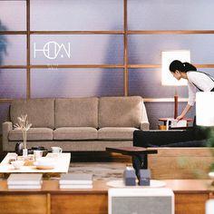 【HOW家具】 我們代理的ACME Furniture、Journal Standard Furniture,不論梳化、餐桌、儲物櫃等均有不同尺寸及款式,如有需要請向店員查詢。  觀塘巧明街99號巧明工廠大廈3樓AB座