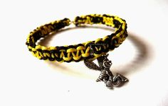 Bracelet with liitle bee :).