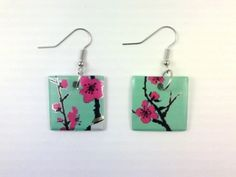recycled Arizona Green Tea cans http://www.etsy.com/listing/49126476/arizona-green-tea-square-earrings-funky