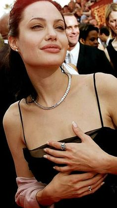 101 Sexy Kylie Jenner Pictures That Will Get Your Heart Racing Kylie Jenner Pictures, Kendall Jenner, Angelina Jolie Quotes, Angeles, Jenifer Aniston, Jolie Pitt, Fashion For Women Over 40, Brad Pitt, Most Beautiful Women