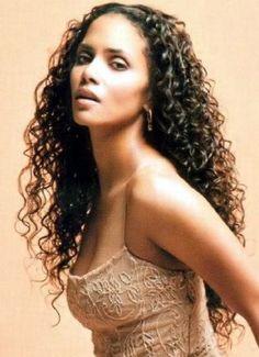 Sexy Latino Style Curls