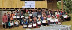"""Wir unterstützen das Projekt """"Von der Bohne bis zur Ernte"""" der Hilfsorganisation Thai Care. Dies gibt Frauen die Möglichkeit, sich mit dem Anbau von Kaffee eine eigene Existenz aufzubauen, um ihre Lebensumstände zu verbessern."""