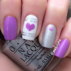 Minimalist Purple nail art design. Simple yet very attractive. The absence of designs and focusing only on one shape on each nails give the Purple color the highlight that it truly deserves.