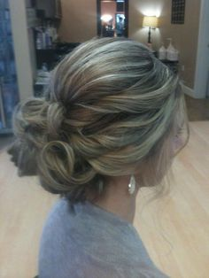 Nice updo with nice earrings - LadyStyle