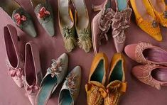 Women's heels became much daintier with slimmer heels and pretty decorations.