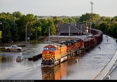 Train in Minot, North Dakota by Steven M. Train Truck, Train Rides, Bnsf Railway, Railroad Photography, Train Pictures, Old Trains, Train Engines, Diesel Locomotive, Train Layouts