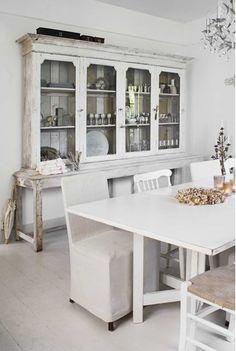 Schoolhouse vintage, gorgeous cabinet  lookslikewhite Blog
