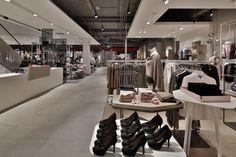 Kastner-Oehler-Store-Ried-im-Innkreis-Austria-Blocher-Blocher-Partners_05.jpg (720×480)