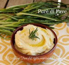 Purè di fave secche ricetta pugliese,piatto povero ma ricco di gusto.Spesso viene accompagnato con bietola o cicoria lessa.Purea di fave soffice e vellutata