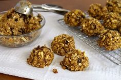 These moist and flavorful Healthy Oatmeal Apple Raisin Cookies are a healthy way to satisfy your sweet tooth. You'll totally love these Healthy Oatmeal Apple Raisin Cookies. Oatmeal Recipes, Apple Recipes, Baking Recipes, Cookie Recipes, Healthy Baking, Healthy Treats, Healthy Desserts, Healthy Recipes, Healthy Foods