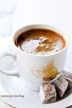 Gel desem, bu akşam Bir kahve ısmarlayayım sana Bir fincan kahve: Cezvesinde kaynamış hatıralar, Köpüklerinde sevgi parlayan, Fincanında dostluk ile telve Bir yorgunluk kahvesi.  En iyisi ben sana Bir şiir ısmarlayayım Yanında da Bir fincan acı kahve...