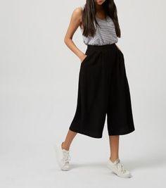 Cameo Rose - Jupe-culotte en crêpe noire