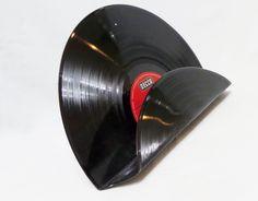 Armreife schallplatte armreif schallplatten armband for Schallplatten regal selber bauen