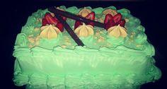 Torta fria especial de suspiros y fresas