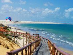 Praia de Canoa Quebrada, no município de Aracati, no Ceará (Brasil).