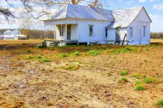 OLD DELTA HOME -MISSISSIPPI DELTA -PIC GARY WALTERS