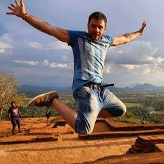 #Happytraveller στην #srilanka.  Το χώρα. Θα το δείτε με τα μάτια σας με το Πάσχα. #travel #traveller