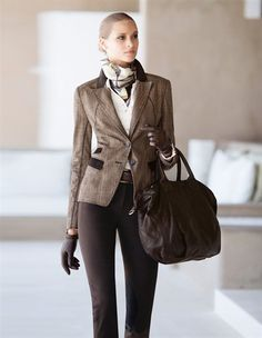 Blazer, FRAAS. Tuch, Tasche, Bluse, Gürtel, Handschuhe