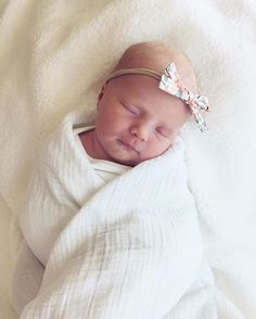 Schoolgirl Headband Bow by Wunderkin Co. The perfect bow for your baby girl. Our bows are handmade with love by moms all over the U.S. // Photo by Jessica Maesalter. The quintessential  accessory for classic baby girl style.
