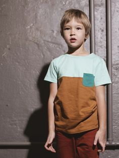 Clothes stained that cannot be washed off can be cut up to create block t-shirt. Toddler Boy Outfits, Toddler Boys, Baby Kids, Kids Outfits, Cool Baby Clothes, Baby Couture, Boys Wear, Stylish Kids, Kid Styles
