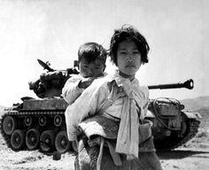 20 Vintage Photographs of the Korean War