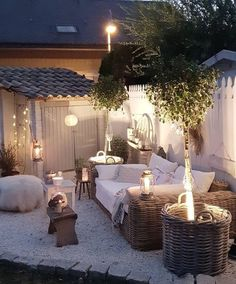 Awesome Outdoor Patio Inspiration You Have To See Patio Garden Ideas On A Budget, Backyard Patio Designs, Diy Patio, Backyard Landscaping, Landscaping Ideas, Backyard Ideas, Cozy Backyard, Patio Planters, Budget Patio
