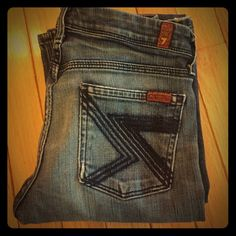 """7 for all mankind """"Flynt"""" 7FAMK medium blue wash, signature 7's stitched on back pockets. Style is Flynt. Size 26, 33"""" inseam. 7 for all Mankind Jeans Boot Cut"""