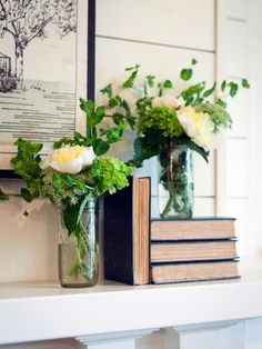 Fixer Upper | The Takeaways - A Thoughtful Place Chip Y Joanna Gaines, Home Living Room, Living Room Decor, Fixer Upper Living Room, Brick Cottage, Cottage Exterior, A Thoughtful Place, Décor Antique, Antique Clocks