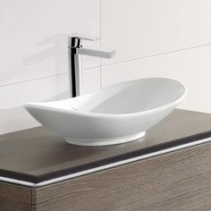 Villeroy & Boch My Nature countertop washbasin, oval white with CeramicPlus