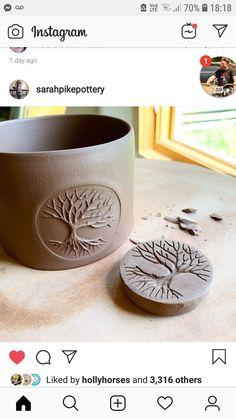 ZROBIĆ PIECZĄTKĘ Pottery Tools, Pottery Classes, Slab Pottery, Ceramic Pottery, Pottery Art, Ceramic Techniques, Pottery Techniques, Ceramic Tools, Ceramic Clay
