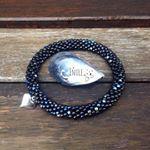 Černomodrostříbrný...krásná kombinace/Black, blue and silver...beautiful combination 😊#bracelet#naramek#crochet#crochetjewelry#háčkování#beads#koralky#matubo#handmade#heart#silver#beadwork#beadcrochet#blackandblue