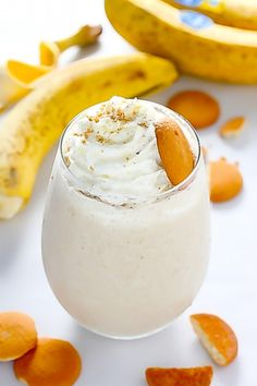 Healthy Banana Cream Pie Smoothie - So quick and easy, but the best part? Tastes like PIE!