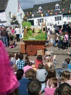 Medieval themed Puppetry from a cart puppet stage