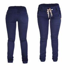 Tienes mucha cadera: Elige jeans en tonos oscuros con cortes rectos, esto disminuye el área que quieres disimular, en este caso las caderas; el tiro alto o medio es ideal.  En nuestra tienda virtual, podrás encontrar el jeans ideal para resaltar mucho mejor tu figura www.cw-jeans.com  #tendencias #chicas #chic #jeans #cwjeans #modaindigo #denim #figura #modafeminina #moda fashion #instagood #me #tbt #cute #follow #followme #happy #beautiful #girl