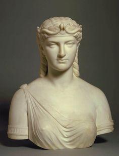 Cleopatra Su belleza no era incomparable, pero tenía un  encanto irresistible, de una voz melodiosa y dulce; de gran inteligencia y culta. Hablaba 8 ó 9 lenguas, fue la primera reina que hablo egipcio y era muy conocedora de política  y y otras ciencias... Cautivaba a cualquiera...