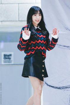 "Taeyeon 171217 ""This Christmas"" Fansign Taeyeon Fashion, Kpop Fashion, Daily Fashion, Korean Fashion, Girl Fashion, Girls Generation, South Korean Girls, Korean Girl Groups, Asian Woman"