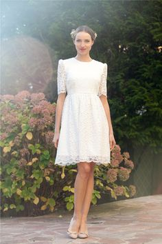Short wedding dress/ Retro lace wedding dress by AlesandraParis #teampinterest #etsyweddingdress