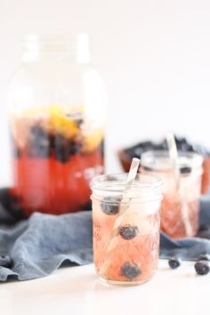 Sparkling hibiscus berry tea with muddled blueberries lemon and spicy gingerthe perfect refreshing beverage for summer! Fruit Tea, Fruit Drinks, Yummy Drinks, Healthy Drinks, Fancy Drinks, Cold Drinks, Beverages, Yummy Food, Best Tea Brands