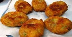 We peel the potatoes and boil them to become soft. We strain and melt them in the puree mill. We put them in a big bowl with the rest of the. Potato Croquettes, Potato Fritters, Greek Appetizers, Japanese Street Food, Vegetarian Recipes, Cooking Recipes, Greek Cooking, Vegan Baking, Greek Recipes