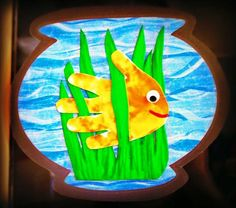 Hands are great for crafts! Enjoy this cute fish bowl craft with your kids! Kids Crafts, Daycare Crafts, Summer Crafts, Toddler Crafts, Craft Projects, Footprint Crafts, Ocean Crafts, Handprint Art, Toddler Art