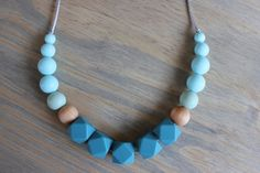 Silicone chew necklace / nursing necklace / chew beads / teething necklace / wood bead necklace / baby shower gift / teether / nursing mom