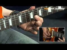 ▶ Lick of the Week 137 - Slowhand-Lick in C - YouTube