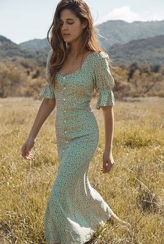 Excellent boho dresses are offered on our internet site. Take a look and you wont be sorry you did. Summer Outfits, Cute Outfits, Summer Dresses, Boho Dress, Dress Skirt, Fall Floral Dress, Dress Lace, Look Fashion, Fashion Outfits