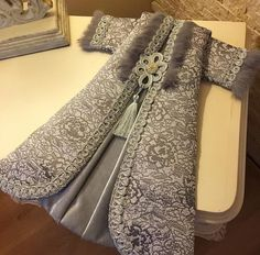 Kaftan, Indian Designer Wear, Soft Furnishings, Embroidery, How To Wear, Clothes, Dresses, Decor, Style