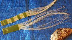 Steps in making a Piupiu Photo: Michelle Mayn A piupiu is a skirt made from the leaves of the New Zealand flax, worn by Māori on ce. New Zealand Flax, Maori Patterns, Flax Weaving, Finger Weaving, Flax Fiber, Maori Designs, Hand Lines, Maori Art, Dress Tutorials