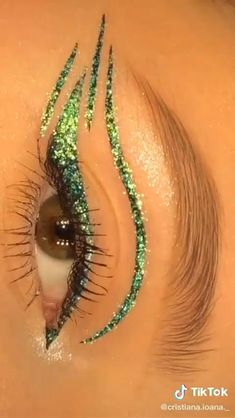Edgy Makeup, Makeup Eye Looks, Eye Makeup Art, Skin Makeup, Eyeliner Looks, Angel Makeup, Exotic Makeup, Rave Makeup, Fairy Makeup